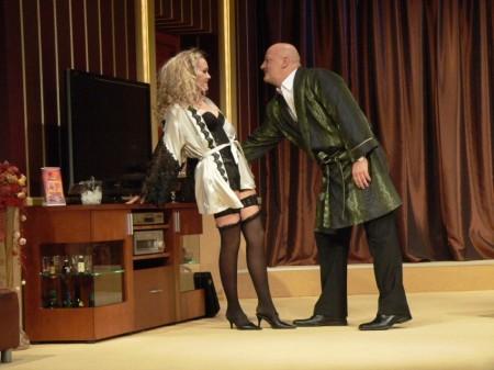 A miniszter félrelép a Móricz Zsigmond Színházban