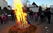 Tüzes máglyán űzték a telet