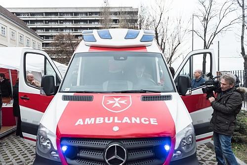 Adományokból gyűlt össze az új mentőautó