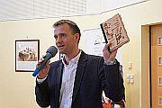 Könyv egy műsorvezető tollából