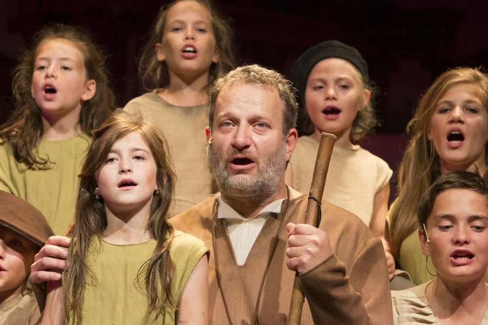 Színház az egész családnak! Legyetek jók, ha tudtok! - a nyíregyházi Szabadtéri Színpadon