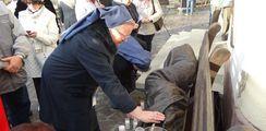 A Hajléktalan Jézus szobra hirdeti feladatunkat – Kisvárdára érkezett az együttérzés szobra