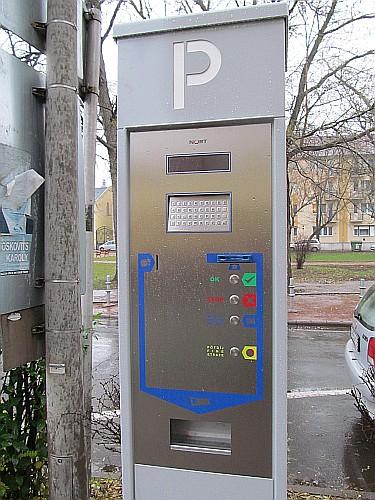 Új parkoló automaták a városban